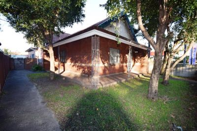 Generous 3 Bedroom House - Close to Transport & the City - INSPECT BY APPOINTMENT