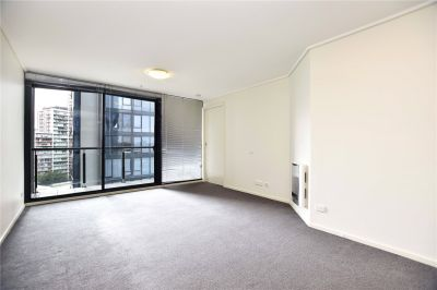 Spacious One Bedroom Apartment Ready To Move In!
