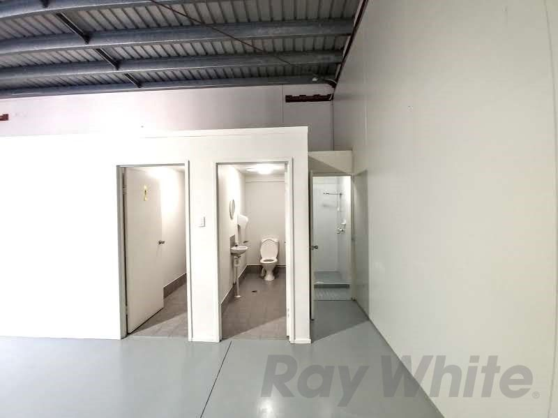 For Lease: 301sqm* CLEAN PROFESSIONAL OFFICE/ WAREHOUSE