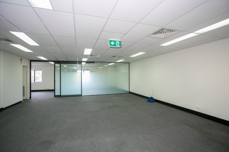 PARTITIONED OFFICE – READY TO OCCUPY
