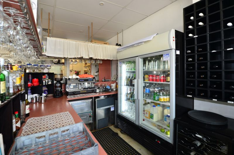 Boutique Cafe Or Retail Shop In Thriving Location