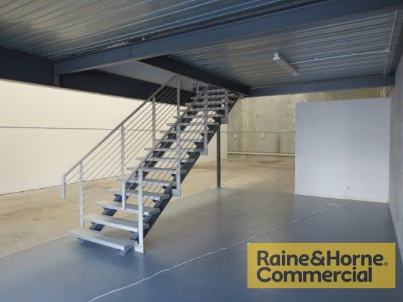 227sqm Clearspan Industrial Warehouse with Excellent Access