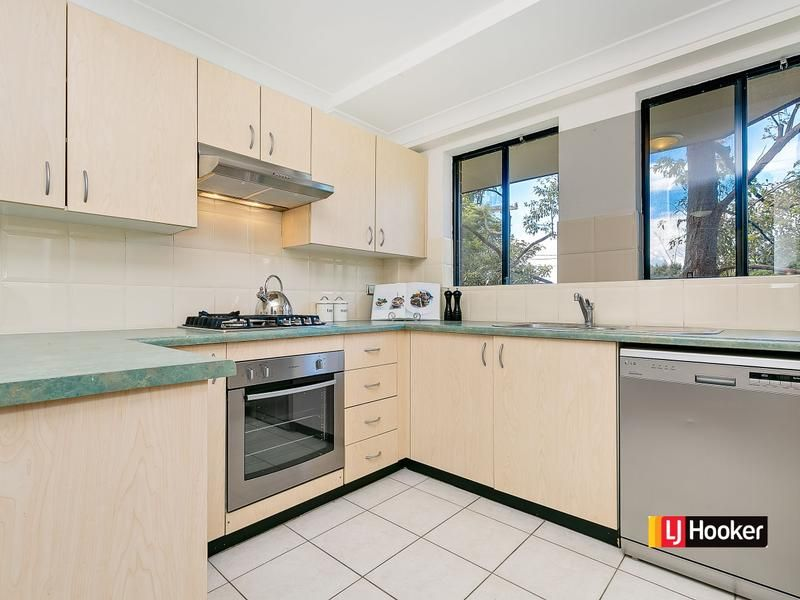 10/3 Williams Parade, Dulwich Hill