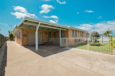 LOWSET BRICK HOME WITH SEPARATE GRANNY FLAT IN TOP SPOT!