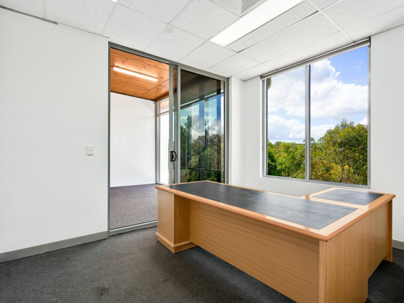 PREMIUM OFFICE WITH AMAZING OUTLOOK