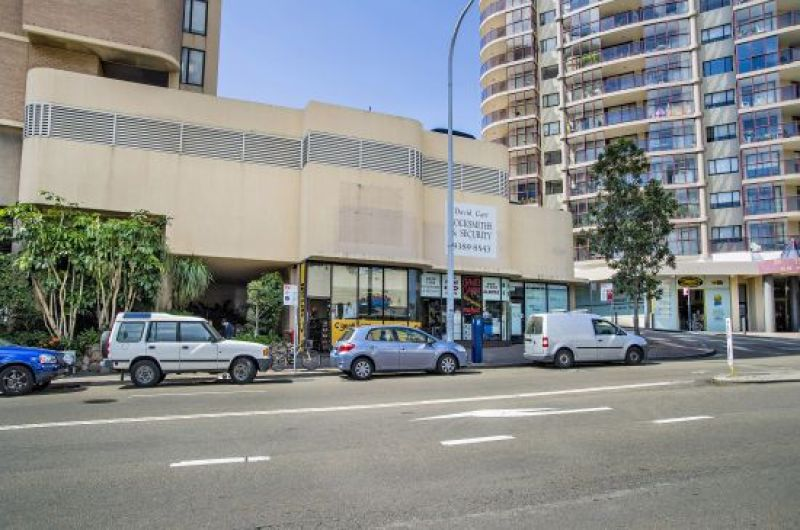 PRIME RETAIL INVESTMENT OPPOSITE WESTFIELD SHOPPING CENTRE