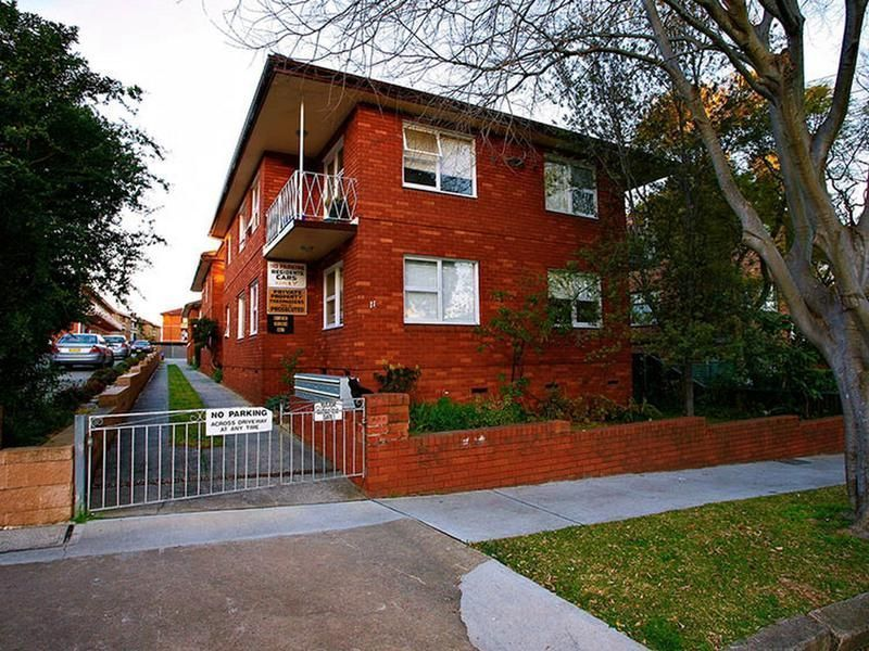 10/11 Myra Road, Dulwich Hill