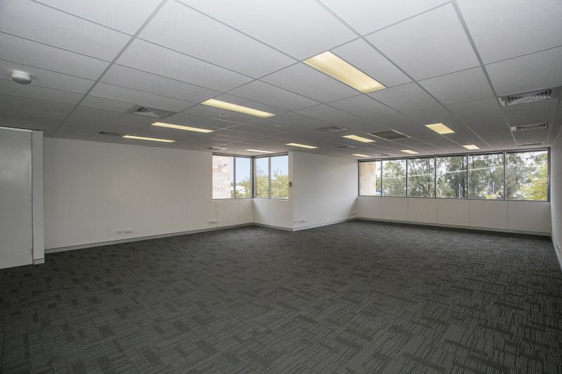 WHOLE FLOOR WITHIN HI CALIBRE, NEAR NEW OFFICE BUILDING - PART LEASED