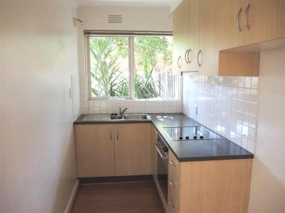 Gorgeous One Bedroom Apartment - Walking Distance To The Beach!