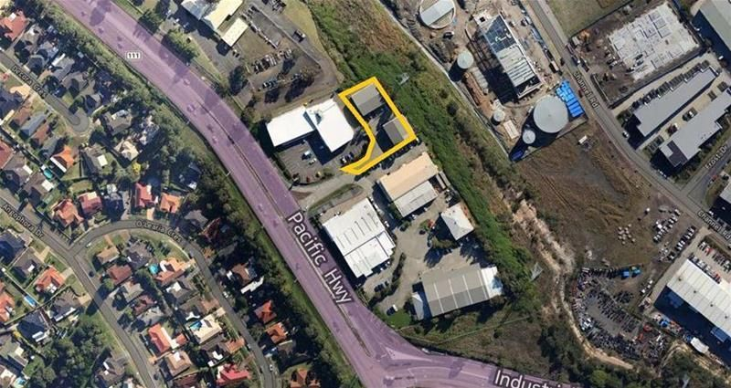 INDUSTRIAL WAREHOUSE CONVENIENT TO NEWCASTLE