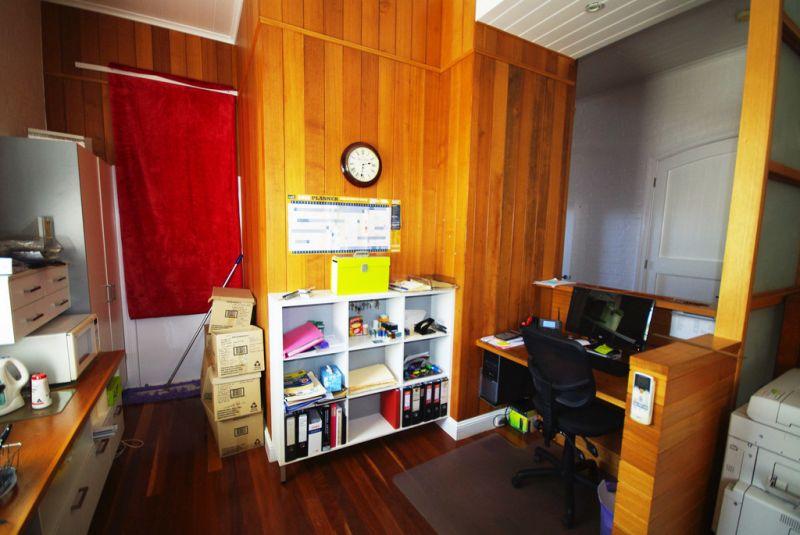Funky Inner City Office