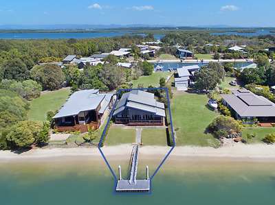 ...ABSOLUTE WATER FRONT HOME SOUTH STRADBROKE ISLAND QLD