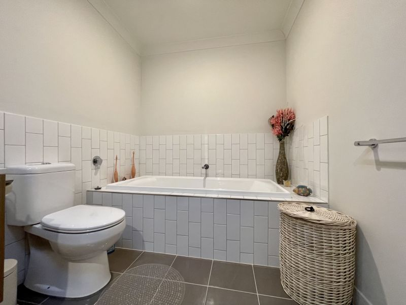 For Sale By Owner: 71 Buckley Ave, Blacktown, NSW 2148