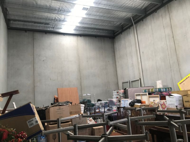 Modern Warehouse in Oakleigh - Vacant Possession!