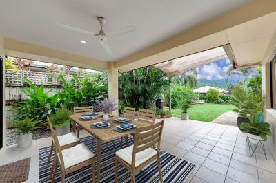 Perfect family home in a quiet cul-de-sac. Ready to move into!