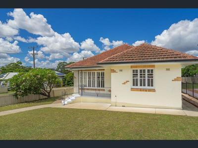 Charming & convenient 3 bedroom house