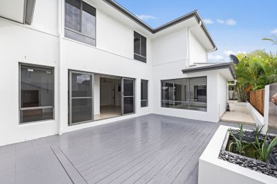 ENTERTAINERS DREAM HOME IN COOMERA RETREAT