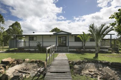 UNDER INSTRUCTIONS TO SELL VIA MORTGAGEE SALE! LOWSET 4 BED + EN-SUITE ON 19 ACRES!! VACANT & WILL BE SOLD