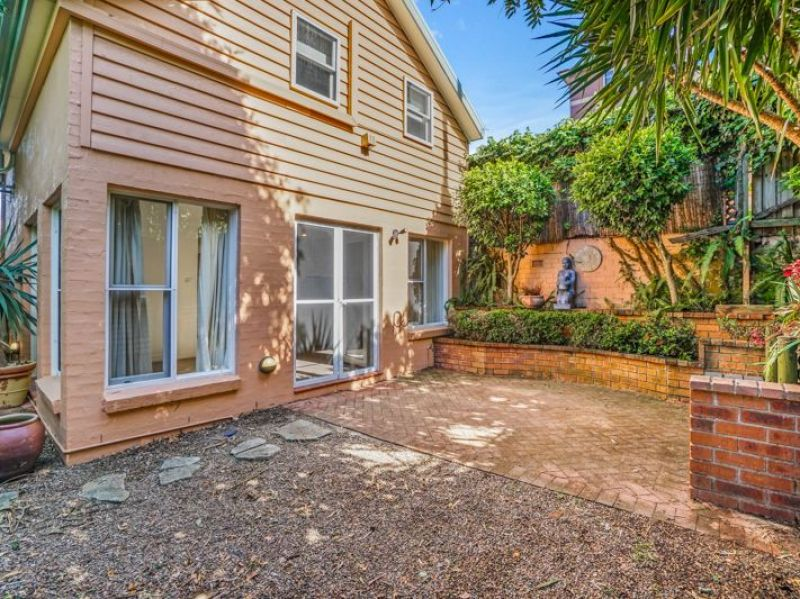 Not another like it in all of Neutral Bay! Two bedroom house total privacy totally quiet and full of character