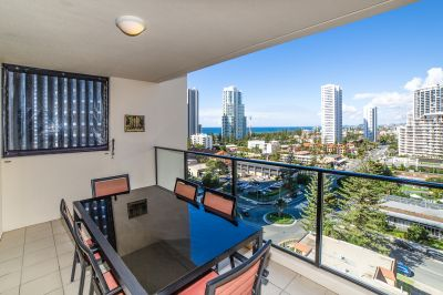 A Sun-Filled Broadbeach Sanctuary Offering Beach And City Views