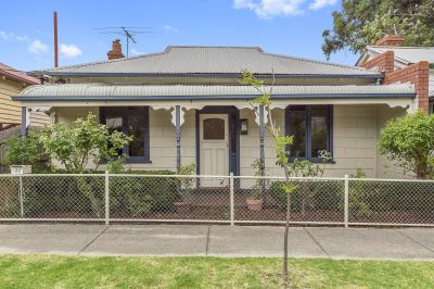 Behind the Block Fronted Facade and Bullnose Capped Verandah a Victorian Classic!