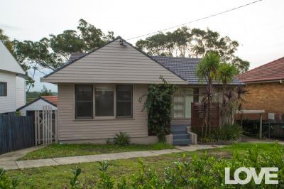 Couples' Room with Ensuite in Immaculate Share Home. Couples - $300 pw  Singles - $250pw