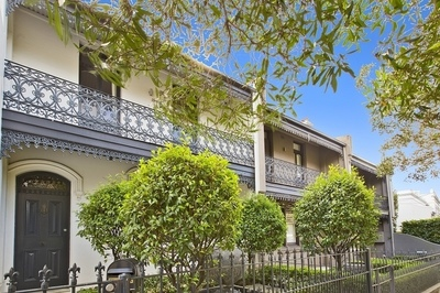 Regal Victorian-Style Terrace Conveys Grand Lifestyle