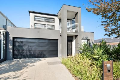 Stylish living within close proximity of the Tarneit Train Station