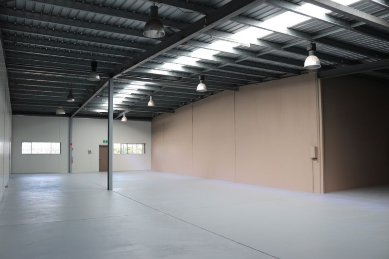 Clean & Fresh Warehouse In Prime Location
