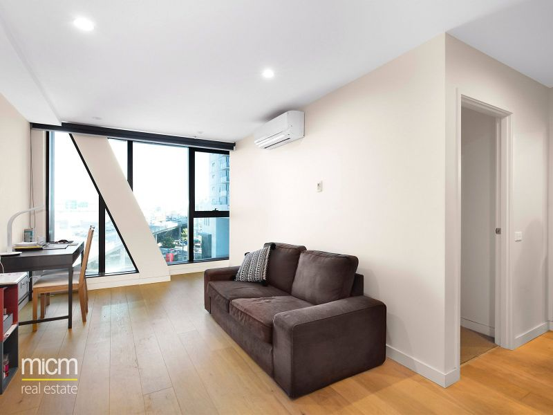 Habitat: Stunning One Bedroom Apartment with Great Views!
