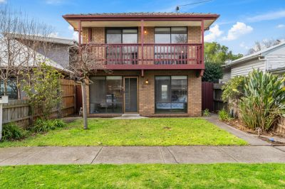 Premier central location in wide tree-lined street!