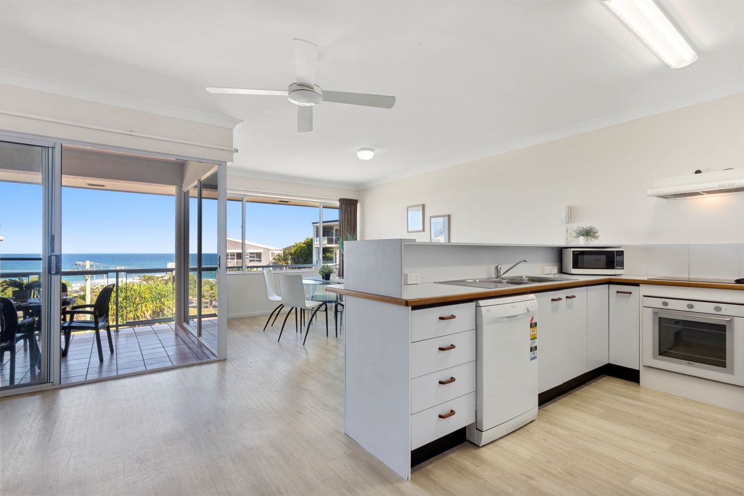 Real estate for sale 21 91 coolum terrace coolum beach for 111 coolum terrace coolum beach