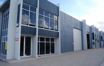 INDUSTRIAL UNIT WITH OFFICE / STORAGE