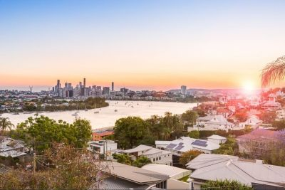 Unrivalled Brisbane River and City Views