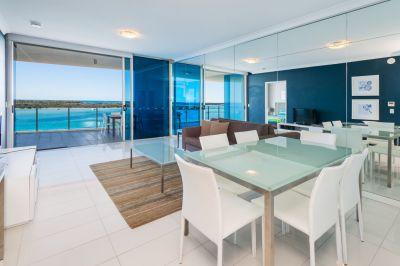 Massive Price Reduction! Top Floor Apartment with Amazing Panoramic Ocean Views!