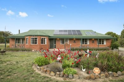 Stunning Rural Living   2.02ha  5 acres approx.