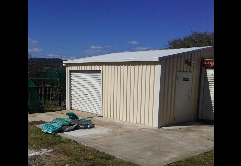For Sale By Owner: Kalpowar, QLD 4630