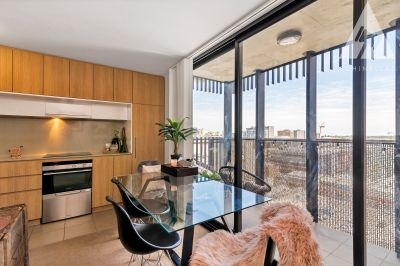 AMAZING NEW PRICE - 11TH FLOOR APARTMENT WITH FABULOUS VIEWS
