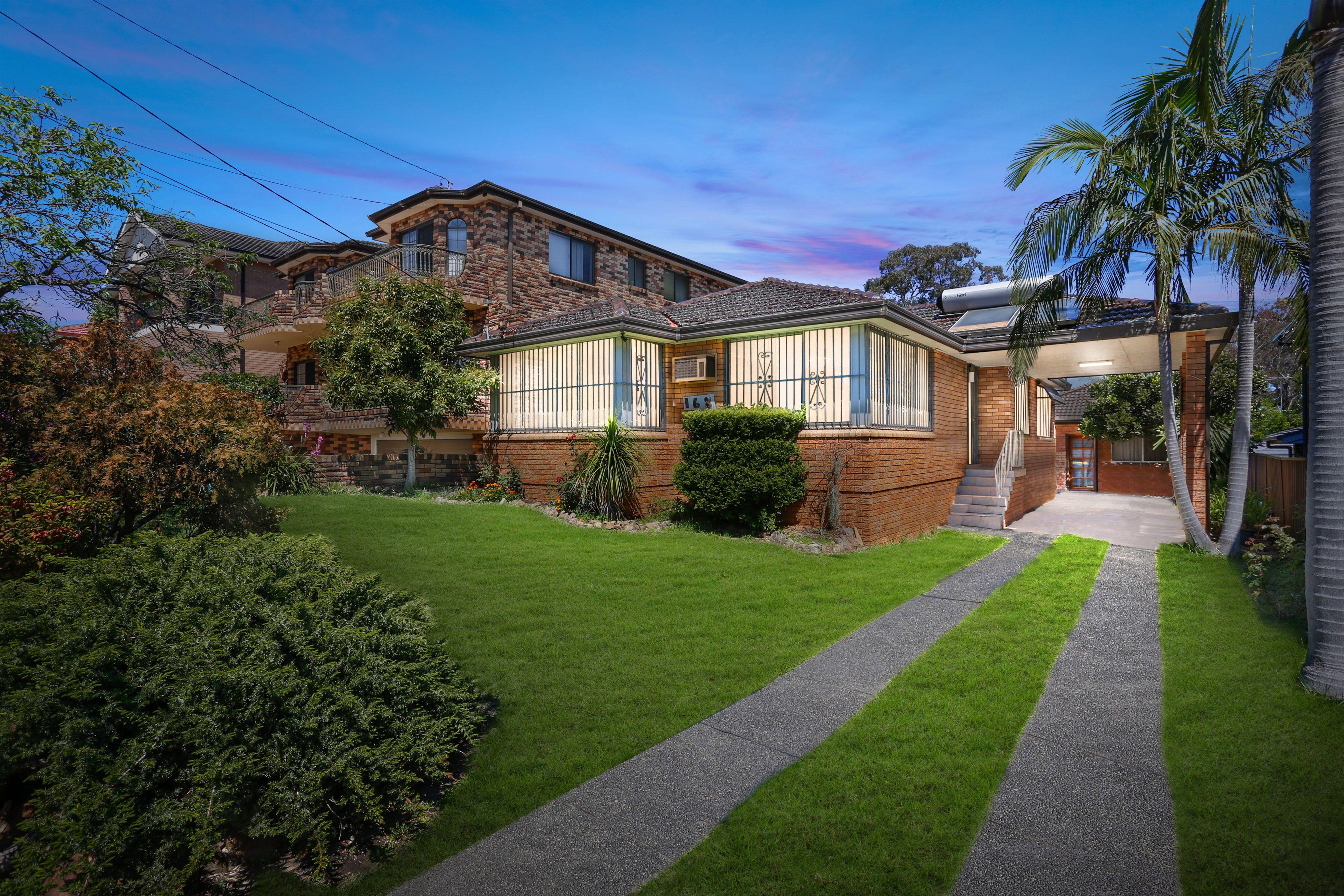 168 Old Kent Road, Mount Lewis NSW 2190