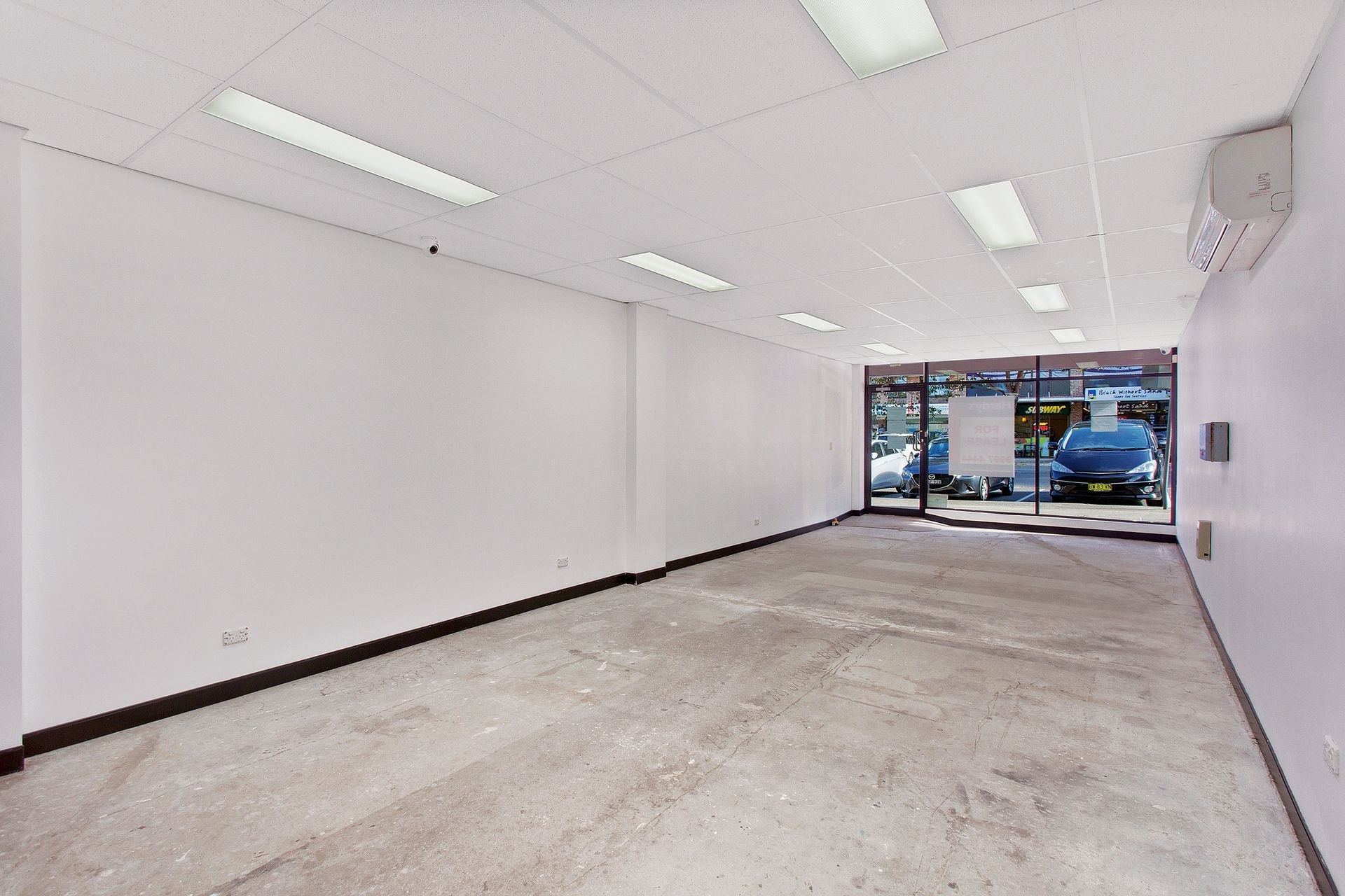 RETAIL IN HIGH EXPOSURE LOCATION - 59 sqm
