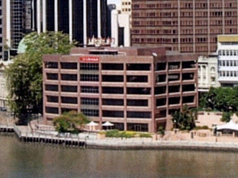 OCCUPY A PROMINENT, WATERFRONT BUILDING IN THE FINANCIAL PRECINCT