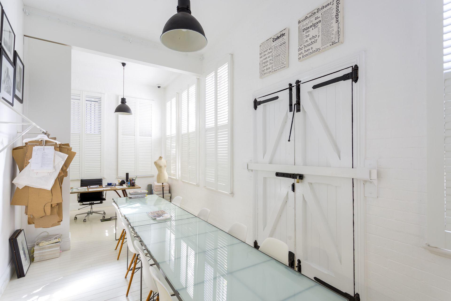 Exclusive & boutique commercial office building