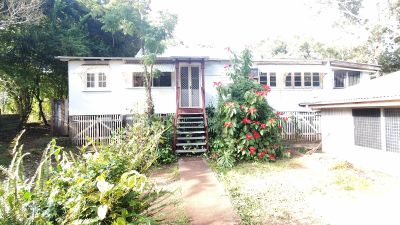 4 bedroom house on 3 arces