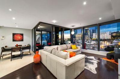 Unique Docklands Pad with Marina Vistas