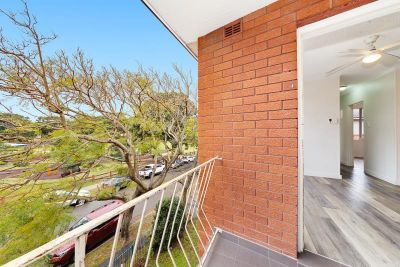 11/12 Barber Avenue, Eastlakes