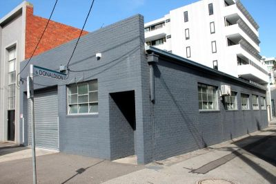 Quality Port Melbourne Office/Warehouse