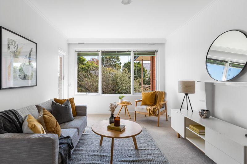 Retro Apartment with Garden Views