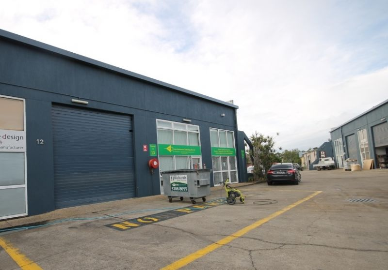 FOR LEASE - 196m2 Multi-functional Industrial Unit /Warehouse
