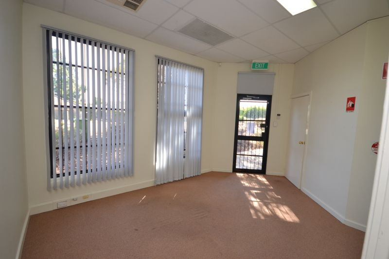 Small office space with great value for money