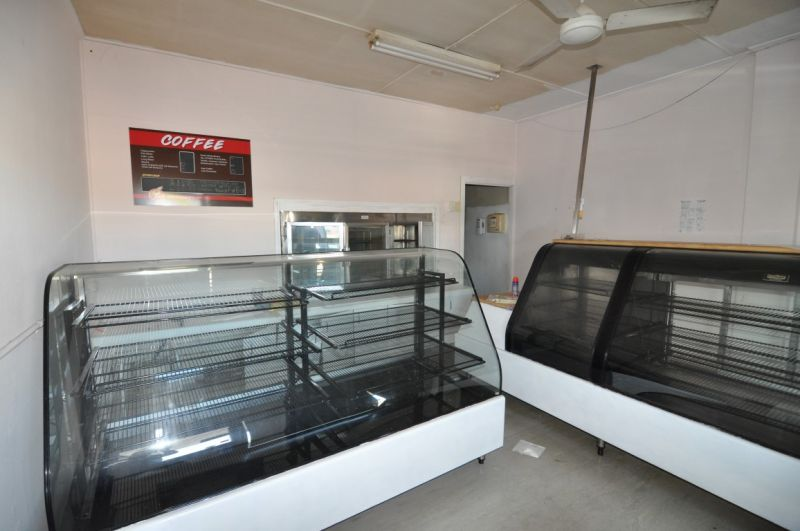 Fomer Syd's Cakes tenancy on Charters Towers Road